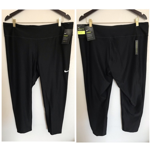 Nike Women's Tight Fit Training Crops Size 2X